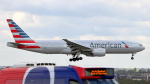 誘喜さんが、ロンドン・ヒースロー空港で撮影したアメリカン航空 777-223/ERの航空フォト(写真)