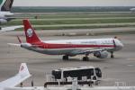 いっとくさんが、上海浦東国際空港で撮影した四川航空 A321-211の航空フォト(写真)