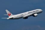 matatabiさんが、伊丹空港で撮影した日本航空 777-246の航空フォト(写真)