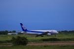 門ミフさんが、佐賀空港で撮影した全日空 767-381の航空フォト(写真)