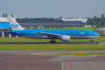 PASSENGERさんが、アムステルダム・スキポール国際空港で撮影したKLMオランダ航空 777-206/ERの航空フォト(写真)
