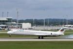 よりさんが、ミュンヘン・フランツヨーゼフシュトラウス空港で撮影したブルガリアン・エア・チャーター MD-82 (DC-9-82)の航空フォト(写真)