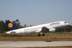 とらとらさんが、フランシスコ・デ・サカルネイロ空港で撮影したルフトハンザドイツ航空 A320-214の航空フォト(写真)
