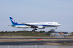 ポン太さんが、成田国際空港で撮影した全日空 777-281/ERの航空フォト(写真)
