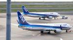 zero1さんが、羽田空港で撮影した全日空 737-881の航空フォト(写真)