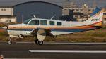 航空見聞録さんが、八尾空港で撮影した日本個人所有 A36 Bonanza 36の航空フォト(写真)