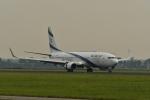 nobu2000さんが、アムステルダム・スキポール国際空港で撮影したエル・アル航空 737-958/ERの航空フォト(写真)