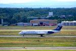 まいけるさんが、フランクフルト国際空港で撮影したモンテネグロ航空 100の航空フォト(写真)