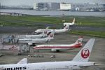 渚くんさんが、羽田空港で撮影した日本トランスオーシャン航空 737-446の航空フォト(写真)