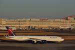 fortnumさんが、羽田空港で撮影したデルタ航空 777-232/ERの航空フォト(写真)