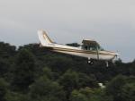 名無しの権兵衛さんが、調布飛行場で撮影した朝日航空 172P Skyhawk IIの航空フォト(写真)