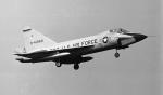 ノビタ君さんが、横田基地で撮影したアメリカ空軍 TF-102A Delta Daggerの航空フォト(写真)