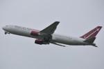 デルタおA330さんが、横田基地で撮影したオムニエアインターナショナル 767-33A/ERの航空フォト(写真)