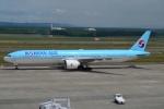 E-75さんが、新千歳空港で撮影した大韓航空 777-3B5/ERの航空フォト(写真)