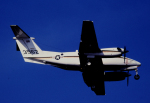 チャーリーマイクさんが、厚木飛行場で撮影したアメリカ海軍 UC-12F Super King Air (B200C)の航空フォト(写真)