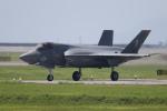おふろうどさんが、岩国空港で撮影したアメリカ海兵隊 F-35B Lightning IIの航空フォト(写真)