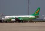 チャーリーマイクさんが、上海浦東国際空港で撮影した揚子江快運航空 737-330(QC)の航空フォト(写真)