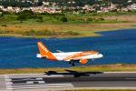 まいけるさんが、コルフ・イオアニス・カポディストリアス空港で撮影したイージージェット A319-111の航空フォト(写真)