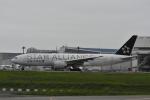 よしポンさんが、成田国際空港で撮影したユナイテッド航空 777-224/ERの航空フォト(写真)