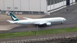 誘喜さんが、羽田空港で撮影したキャセイパシフィック航空 777-367の航空フォト(写真)