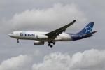 さんみさんが、ロンドン・ガトウィック空港で撮影したエア・トランザット A330-243の航空フォト(写真)