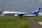 ウッディーさんが、伊丹空港で撮影した全日空 767-381の航空フォト(写真)