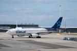 チャッピー・シミズさんが、バンクーバー国際空港で撮影したエア・トランザット A330-243の航空フォト(写真)