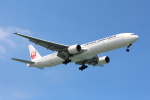 Koenig117さんが、那覇空港で撮影した日本航空 777-346の航空フォト(写真)