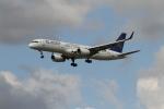 さんみさんが、ロンドン・ヒースロー空港で撮影したエア・アスタナ 757-23Nの航空フォト(写真)