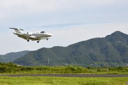Gambardierさんが、岡南飛行場で撮影したグラフィック 525A Citation CJ1の航空フォト(写真)