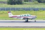 tabi0329さんが、長崎空港で撮影した航空大学校 A36 Bonanza 36の航空フォト(写真)