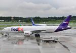 雲霧さんが、成田国際空港で撮影したフェデックス・エクスプレス 777-FHTの航空フォト(写真)
