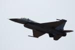 チャッピー・シミズさんが、アボッツフォード国際空港で撮影したアメリカ空軍 F-16CJ Fighting Falconの航空フォト(写真)