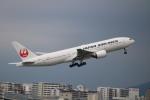 水月さんが、伊丹空港で撮影した日本航空 777-289の航空フォト(写真)