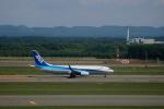 なまくら はげるさんが、新千歳空港で撮影した全日空 737-881の航空フォト(写真)