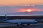 Take51さんが、関西国際空港で撮影したキャセイパシフィック航空 777-367の航空フォト(写真)
