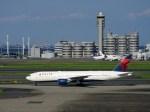 よんすけさんが、羽田空港で撮影したデルタ航空 777-232/ERの航空フォト(写真)