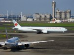 よんすけさんが、羽田空港で撮影したエア・カナダ 777-333/ERの航空フォト(写真)