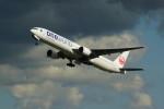 カメラマンあきさんが、新千歳空港で撮影した日本航空 777-346の航空フォト(写真)