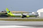 もぐ3さんが、那覇空港で撮影したジンエアー 737-8SHの航空フォト(写真)