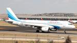 誘喜さんが、マドリード・バラハス国際空港で撮影したヤマル・エアラインズ A320-214の航空フォト(写真)