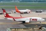 N837MHさんが、金浦国際空港で撮影したティーウェイ航空 737-8Q8の航空フォト(写真)