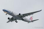 遠森一郎さんが、福岡空港で撮影したチャイナエアライン A330-302の航空フォト(写真)