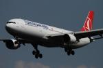 twining07さんが、ロンドン・ヒースロー空港で撮影したターキッシュ・エアラインズ A330-303の航空フォト(写真)