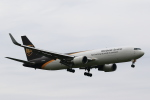 こだしさんが、成田国際空港で撮影したUPS航空 767-34AF/ERの航空フォト(写真)