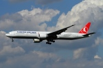 twining07さんが、ロンドン・ヒースロー空港で撮影したターキッシュ・エアラインズ 777-3F2/ERの航空フォト(写真)