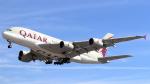 誘喜さんが、ロンドン・ヒースロー空港で撮影したカタール航空 A380-861の航空フォト(写真)
