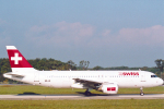 菊池 正人さんが、ジュネーヴ・コアントラン国際空港で撮影したスイスインターナショナルエアラインズ A320-214の航空フォト(写真)