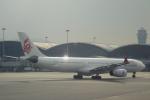 小牛田薫さんが、香港国際空港で撮影した香港ドラゴン航空 A330-342の航空フォト(写真)