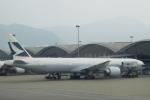 小牛田薫さんが、香港国際空港で撮影したキャセイパシフィック航空 777-367/ERの航空フォト(写真)